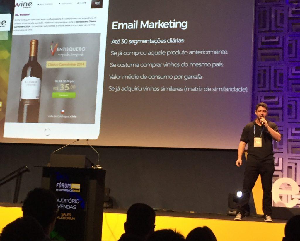 Gustavo Daher apresentou a experiência da Wine.com.br sobre canais alternativos de venda com CRM, afiliação e email
