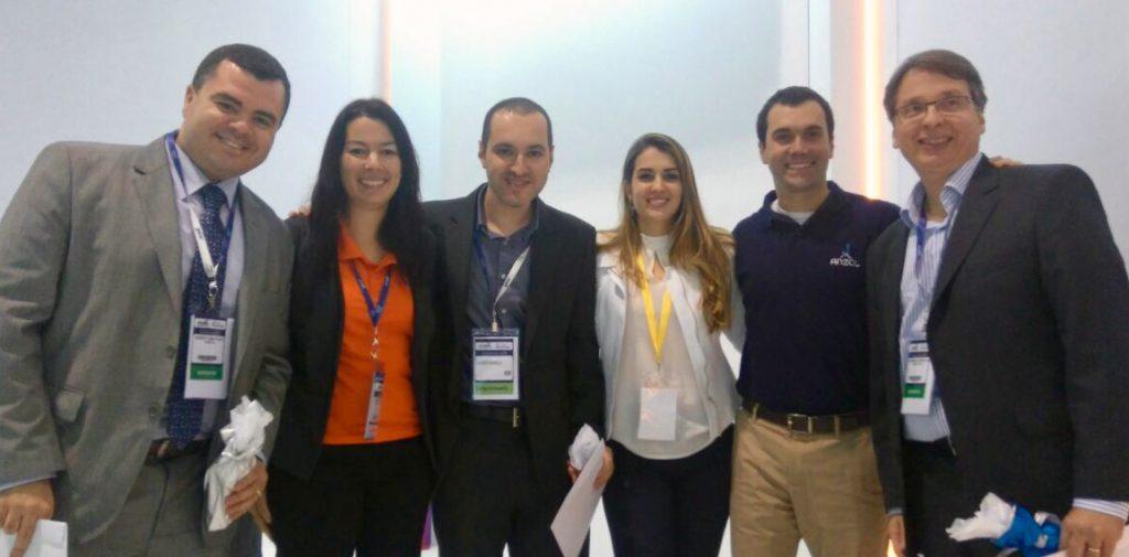 Integrantes do Grupo de Trabalho de Tecnologia da ABAV participaram do Hackathon Viagens e de 3 painéis na Vila do Saber