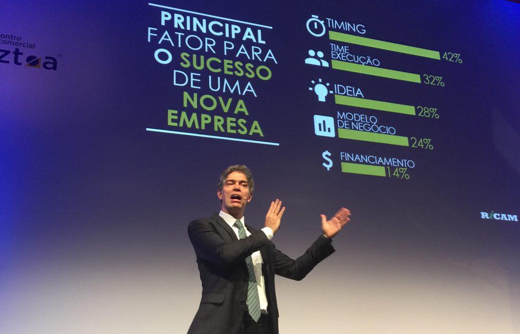Ricardo Amorim encantou a platéia com previsões otimistas a respeito do novo ciclo de crescimento econômico