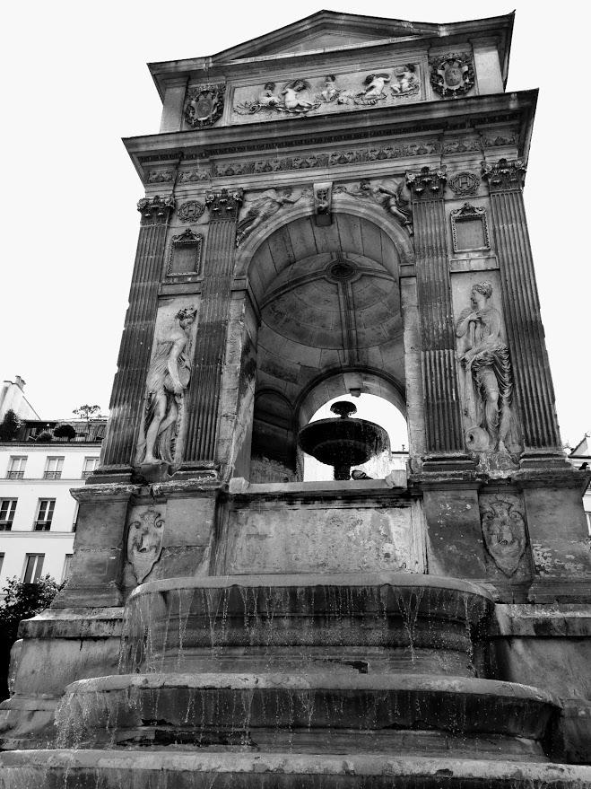 Fonte dos Inocentes Paris