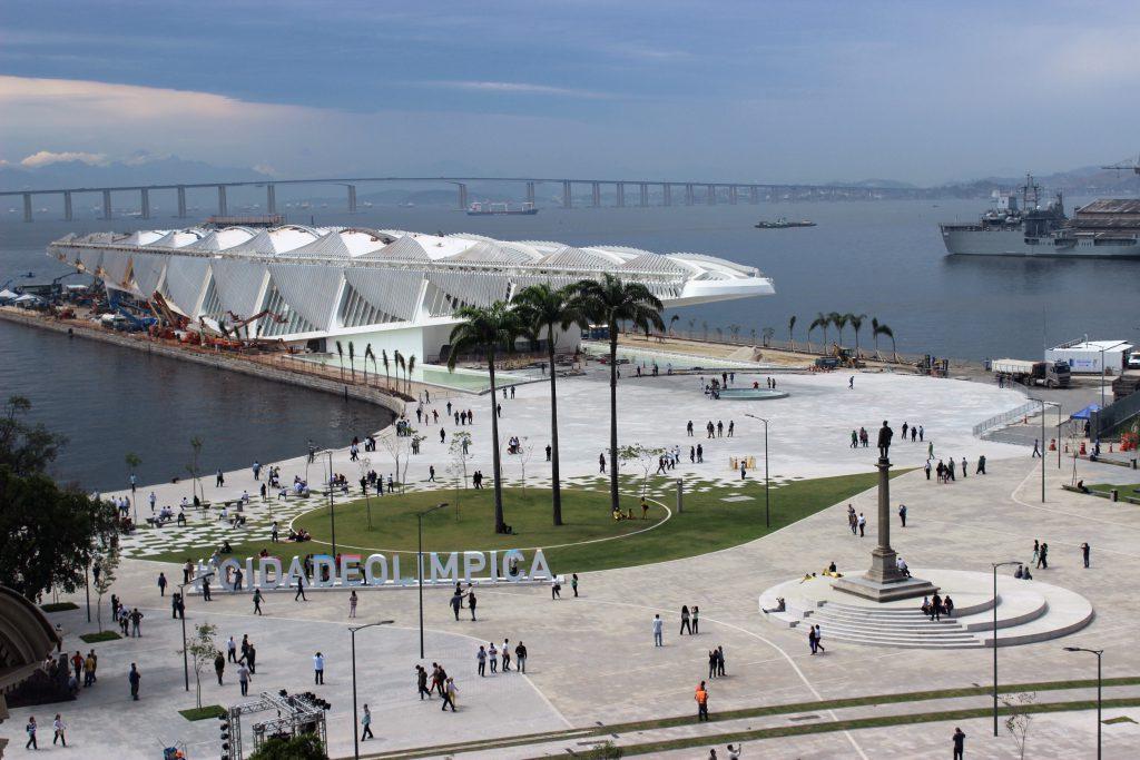 A nova Praça Mauá vista do terraço do MAR / Foto de Carla Lencastre