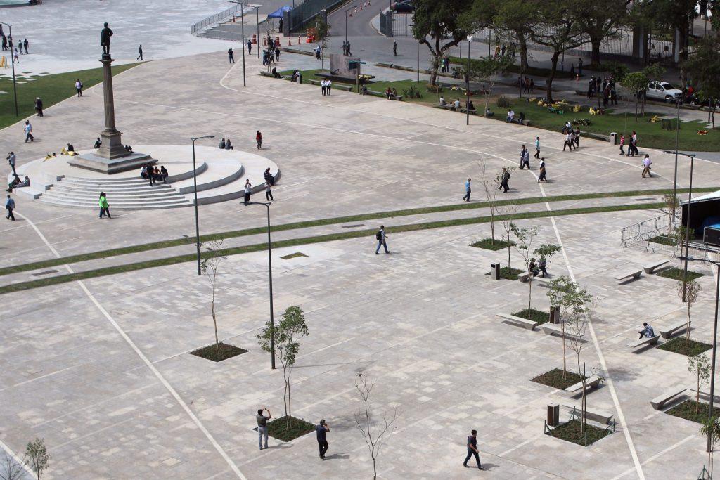 Futuras árvores da Praça Mauá / Foto de Carla Lencastre