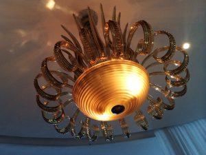 Lustre de Murano no salão do Al Mare  / Foto de Carla Lencastre