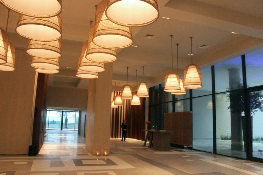 O lobby de entrada no novo Grand Hyatt Rio / Foto de Carla Lencastre