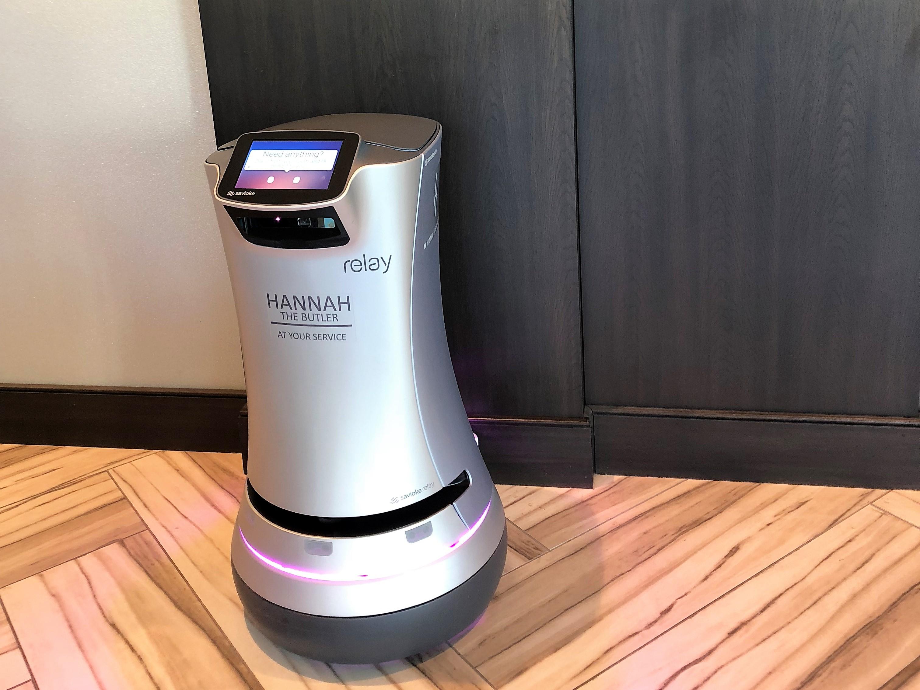 Robô do H Hotel, próximo ao aeroporto de Los Angeles