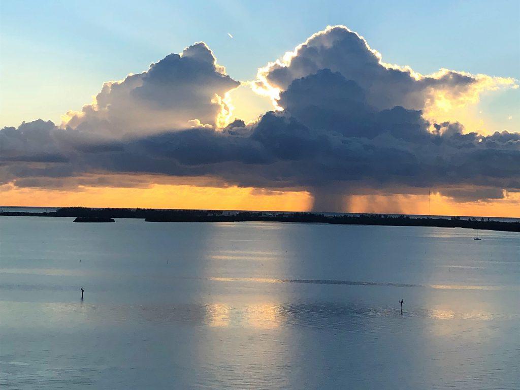 Nascer do sol Baía de Biscayne Miami