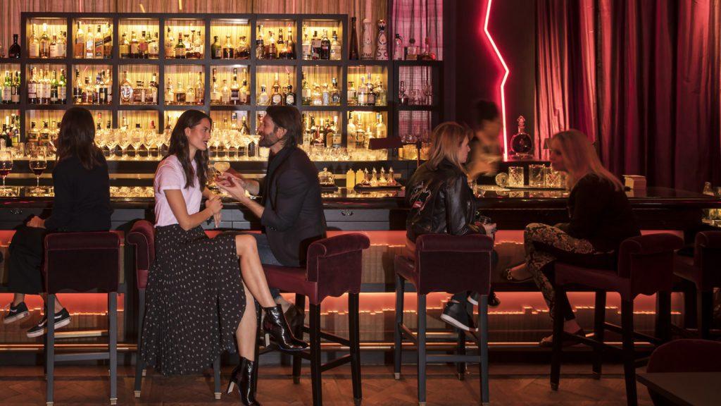 A hotelaria internacional já descobriu que, com criatividade, o Dia dos Namorados pode ser uma data altamente rentável para o mercado