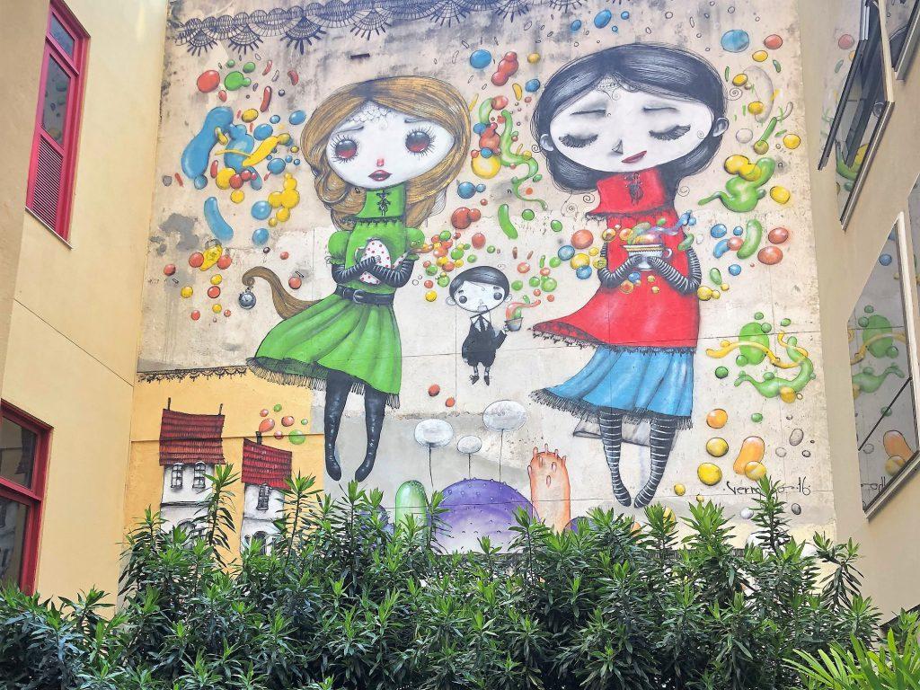 Mural no Selina Lapa Rio